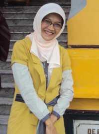 drg.Erna Sulistyani